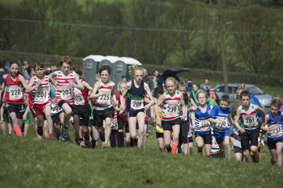 DSC3835 570x380 Coiners Fell Race Photos 2015
