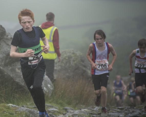DSC4377 570x456 Turner Uphill Fell Race Photos 2015