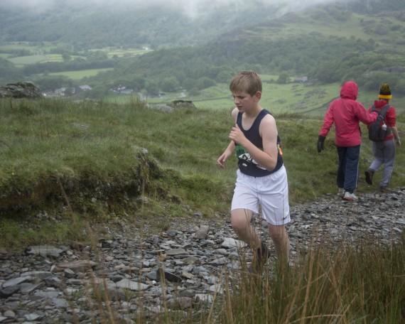 DSC4428 570x456 Turner Uphill Fell Race Photos 2015