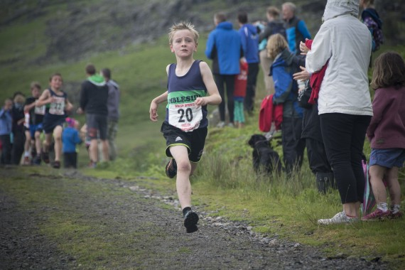 DSC4441 570x380 Turner Uphill Fell Race Photos 2015