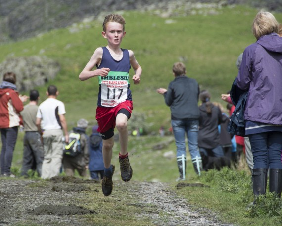 DSC4485 570x456 Turner Uphill Fell Race Photos 2015