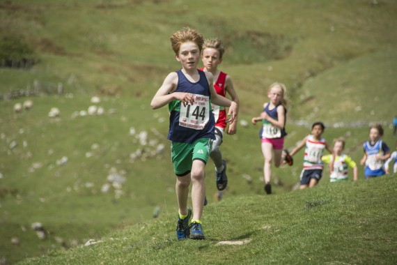 DSC1776 570x380 Malham Kirkby Fell Race Photos 2016