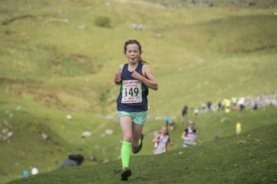 DSC1800 570x380 Malham Kirkby Fell Race Photos 2016