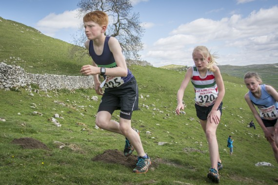 DSC1869 570x380 Malham Kirkby Fell Race Photos 2016