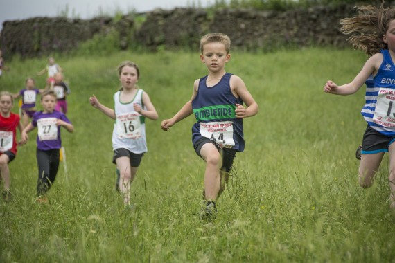DSC2370 570x380 Clougha Pike English Championship Fell Race Photos 2016