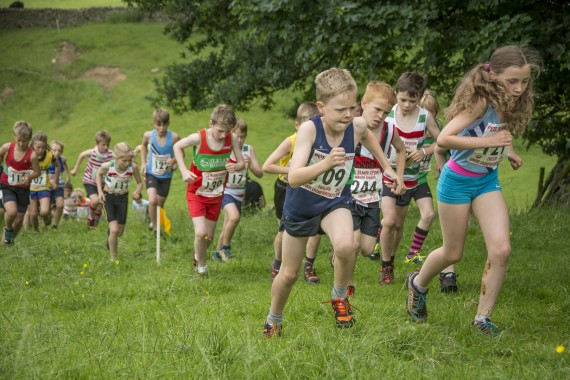 DSC2389 570x380 Clougha Pike English Championship Fell Race Photos 2016