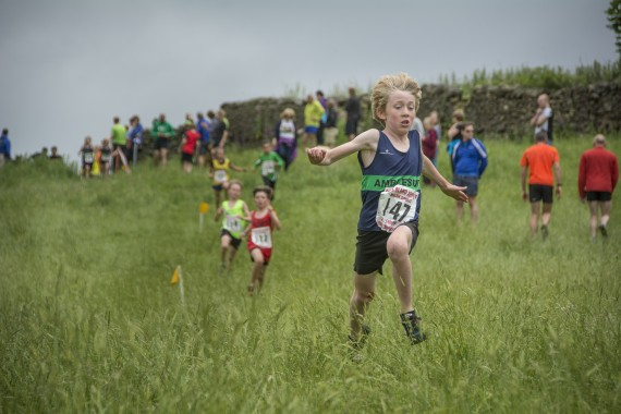 DSC2429 570x380 Clougha Pike English Championship Fell Race Photos 2016