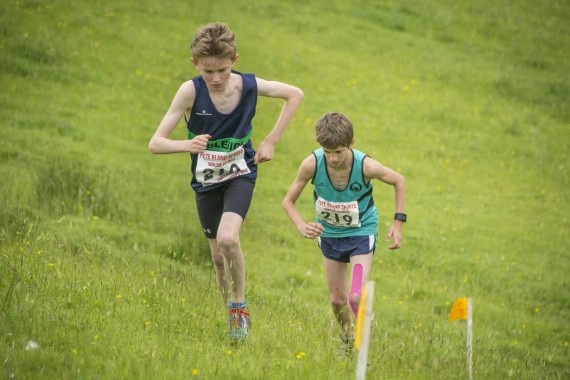 DSC2449 570x380 Clougha Pike English Championship Fell Race Photos 2016