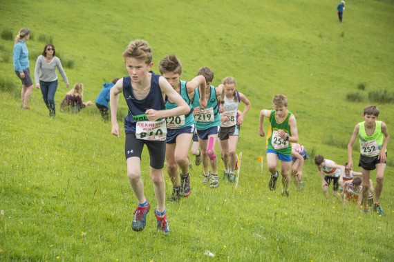 DSC2456 570x380 Clougha Pike English Championship Fell Race Photos 2016