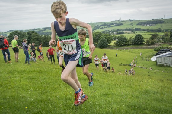 DSC2466 570x380 Clougha Pike English Championship Fell Race Photos 2016