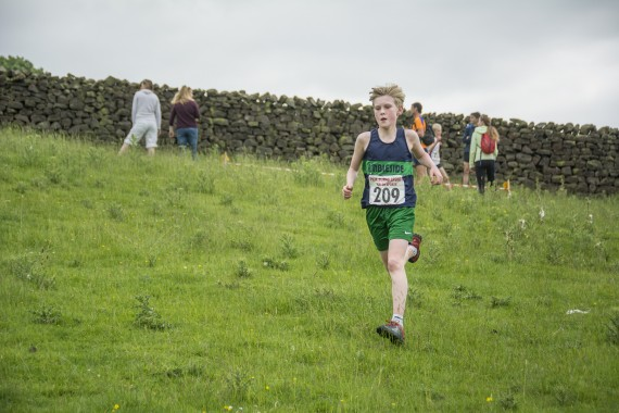 DSC2507 570x380 Clougha Pike English Championship Fell Race Photos 2016