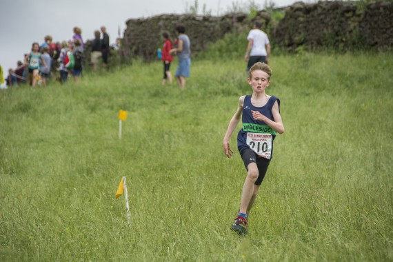 DSC2513 570x380 Clougha Pike English Championship Fell Race Photos 2016