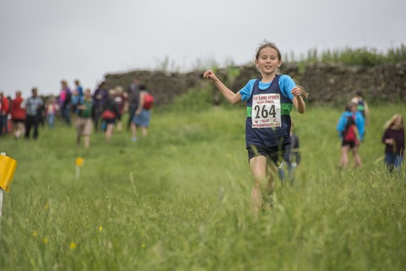DSC2536 570x380 Clougha Pike English Championship Fell Race Photos 2016