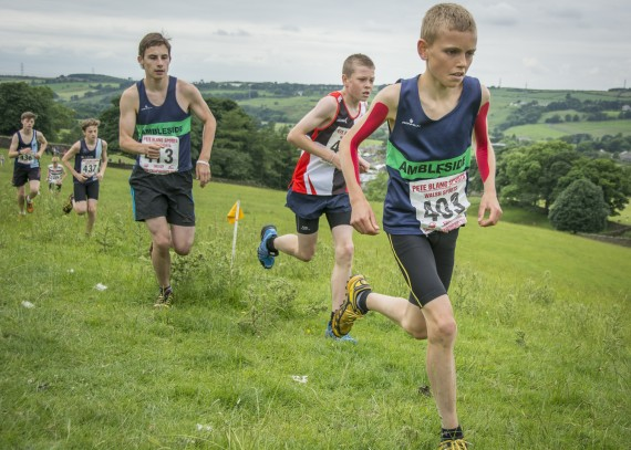 DSC2598 570x407 Clougha Pike English Championship Fell Race Photos 2016