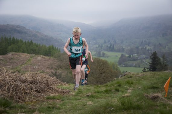 DSC8779 570x380 Todd Crag Fell Race Photos 2017