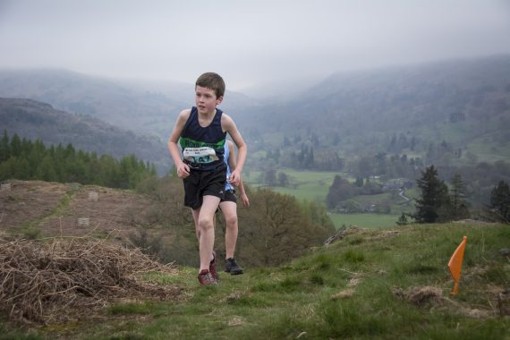 DSC8799 570x380 Todd Crag Fell Race Photos 2017