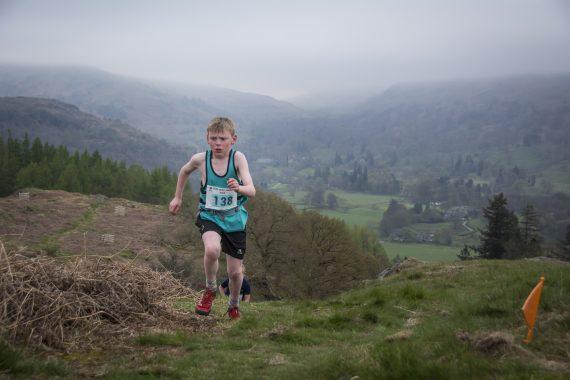 DSC8805 570x380 Todd Crag Fell Race Photos 2017