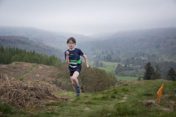 DSC8866 570x380 Todd Crag Fell Race Photos 2017
