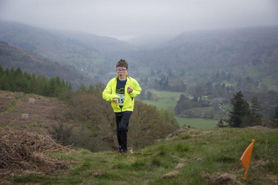 DSC8888 570x380 Todd Crag Fell Race Photos 2017