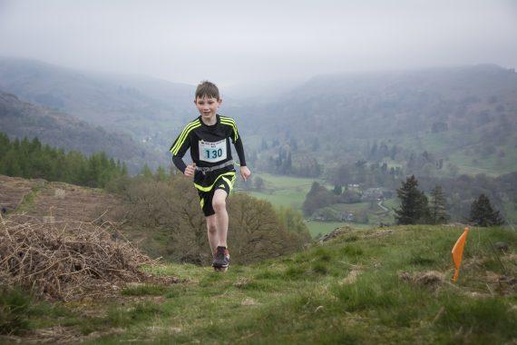 DSC8899 570x380 Todd Crag Fell Race Photos 2017