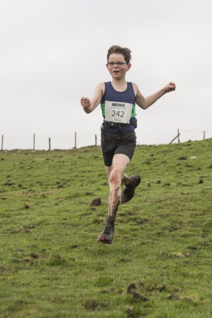DSC5350 415x622 Blacko Fell Race Photos 2018