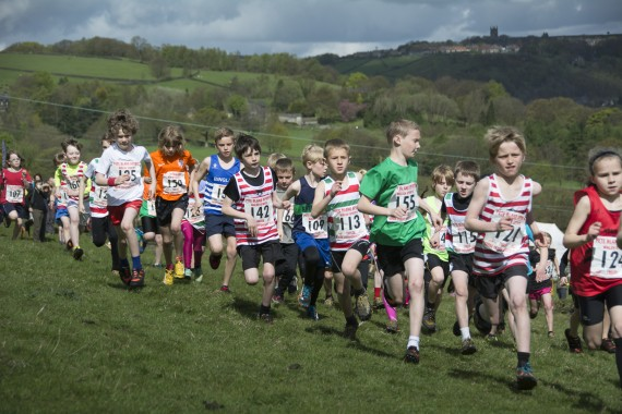 DSC3806 570x380 Coiners Fell Race Photos 2015