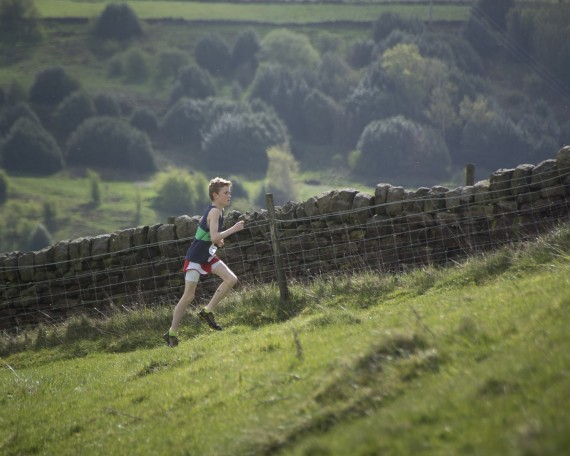 DSC3807 570x456 Coiners Fell Race Photos 2015