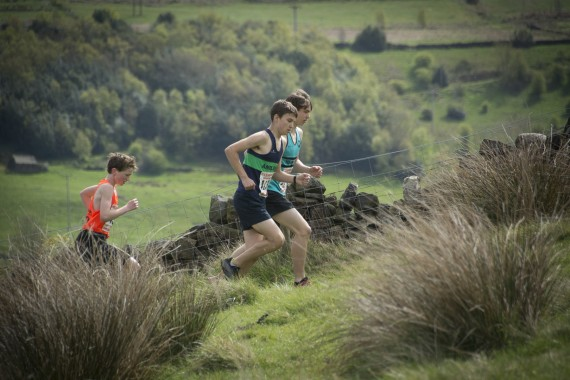 DSC3854 570x380 Coiners Fell Race Photos 2015