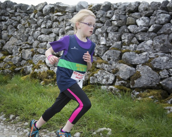 DSC4054 570x456 Malham Kirkby Fell Race Photos 2015
