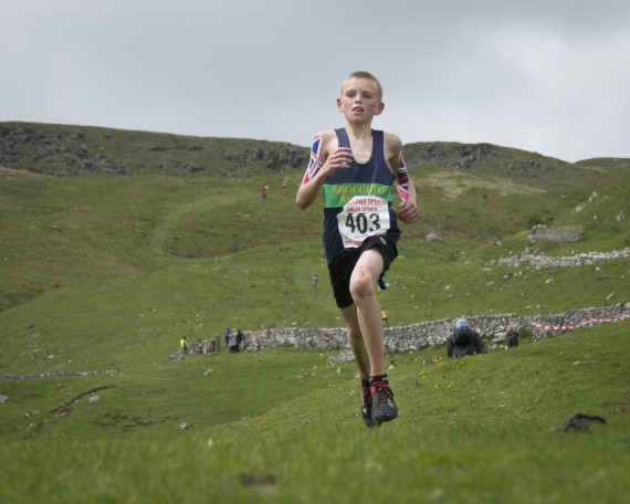 DSC4190 570x456 Malham Kirkby Fell Race Photos 2015