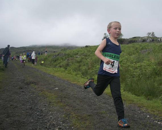 DSC4458 570x456 Turner Uphill Fell Race Photos 2015