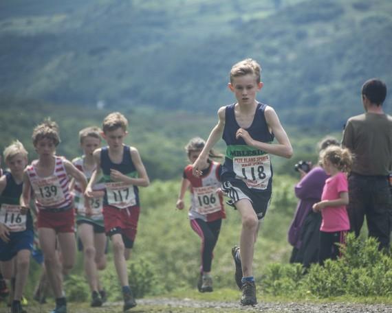 DSC4468 570x456 Turner Uphill Fell Race Photos 2015