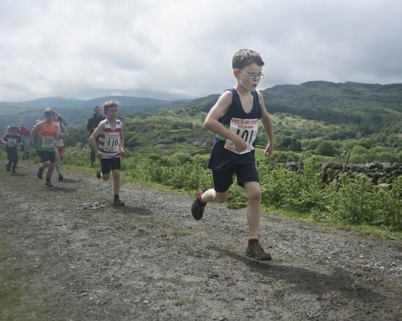 DSC4479 570x456 Turner Uphill Fell Race Photos 2015