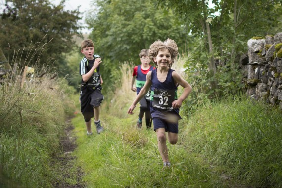 DSC5696 570x380 Orton Fell Race Photos 2015