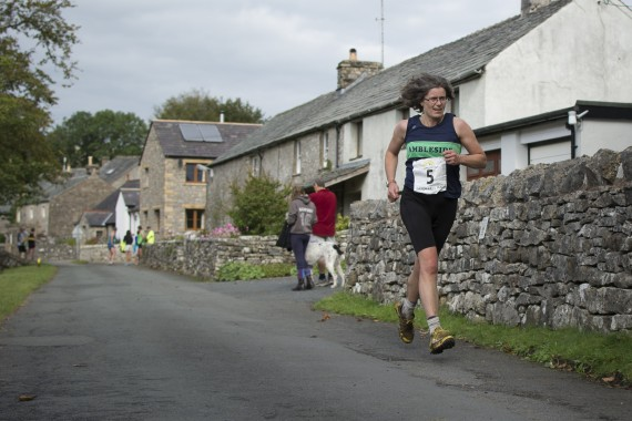 DSC5753 570x380 Orton Fell Race Photos 2015