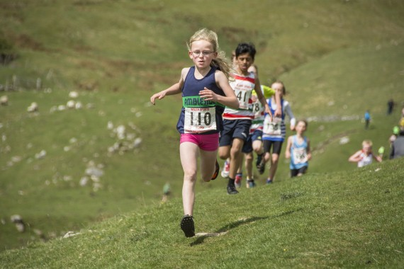 DSC1781 570x380 Malham Kirkby Fell Race Photos 2016