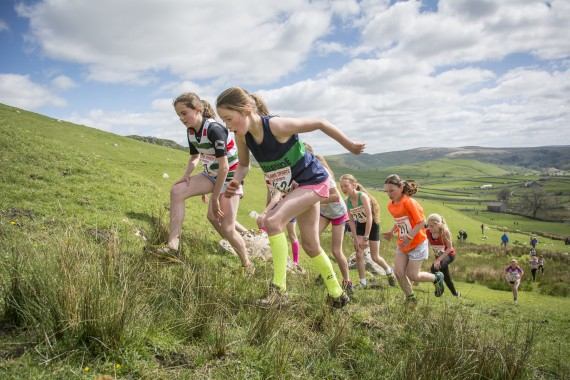 DSC1820 570x380 Malham Kirkby Fell Race Photos 2016