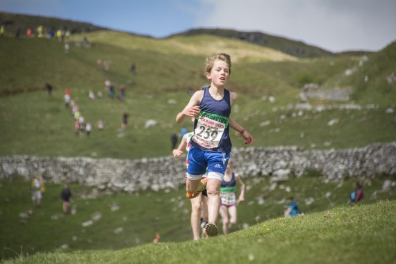 DSC1822 570x380 Malham Kirkby Fell Race Photos 2016