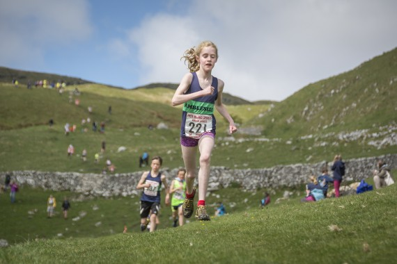 DSC1830 570x380 Malham Kirkby Fell Race Photos 2016