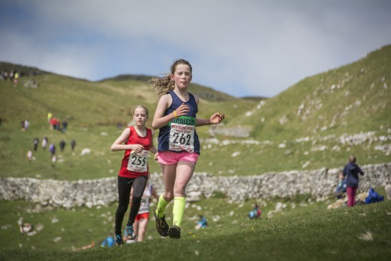 DSC1843 570x380 Malham Kirkby Fell Race Photos 2016