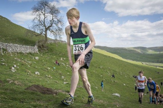 DSC1875 570x380 Malham Kirkby Fell Race Photos 2016
