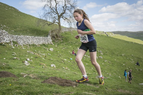 DSC1879 570x380 Malham Kirkby Fell Race Photos 2016