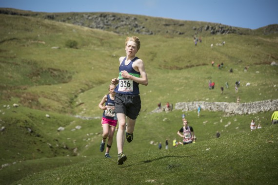 DSC1896 570x380 Malham Kirkby Fell Race Photos 2016