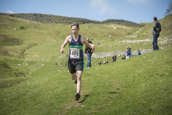 DSC1933 570x380 Malham Kirkby Fell Race Photos 2016
