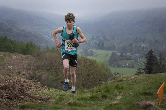 DSC8720 570x380 Todd Crag Fell Race Photos 2017