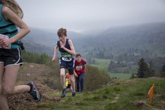 DSC8750 570x380 Todd Crag Fell Race Photos 2017