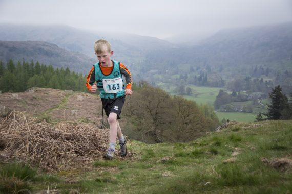 DSC8784 570x380 Todd Crag Fell Race Photos 2017
