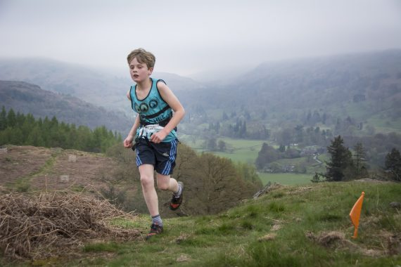 DSC8822 570x380 Todd Crag Fell Race Photos 2017