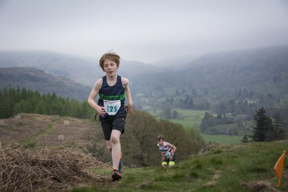 DSC8827 570x380 Todd Crag Fell Race Photos 2017