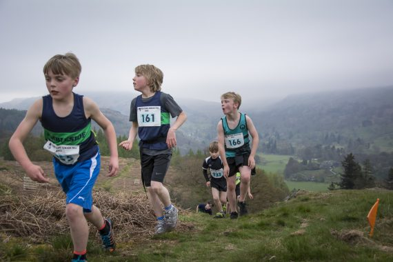 DSC8862 570x380 Todd Crag Fell Race Photos 2017